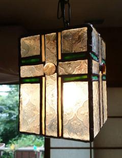 戸田広美さんの吊り下げペンダントランプ