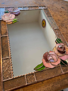 宮崎沙織さん 作 薔薇の壁掛けミラー