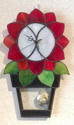 谷奥由紀子さんのステンドグラスで振り子時計