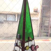 荒木なつみさんのステンドグラスでクリスマスツリー