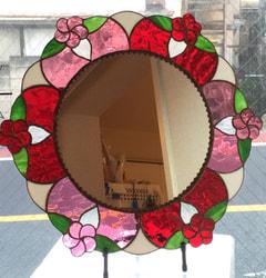 石田佳恵子さんの壁掛けミラー