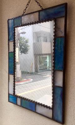 池田美穂さんの4種類の色違いで壁掛けミラー