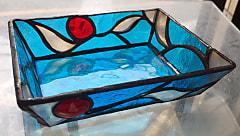 栗田知子さんのフュージングガラスを使ったステンドグラス小物入れ
