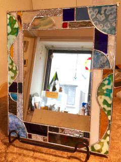 鈴木絵美子さん作 ステンドグラス壁掛けミラー