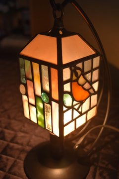 栗林裕子さんのステンドグラスランプ