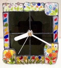 上原 歩さん作 ヴェネチアンガラスのフュージングで壁掛け時計
