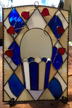 木下美幸さん作 ステンドグラスで壁掛けプランター