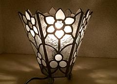 近藤純子さんのステンドグラスのテーブルランプ