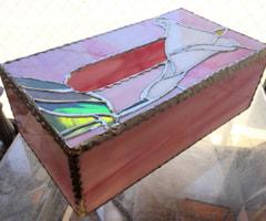 河村良子さんのカラーのティッシュBox